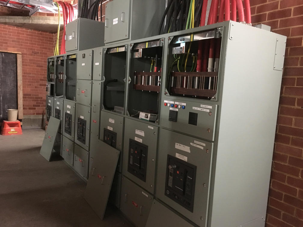 Afterhours fault callout service for high voltage customer assets